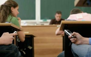 mobile-phones-in-the-classroom